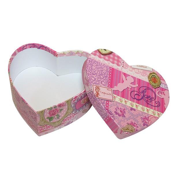 Herzbox mit romantischen vintage Muster in rosa, innen weiß